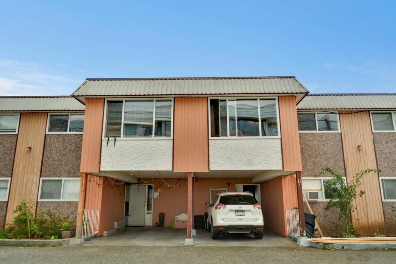 Main Photo: 11 2241 MCCALLUM Road in Abbotsford: Central Abbotsford Townhouse for sale : MLS®# R2619744
