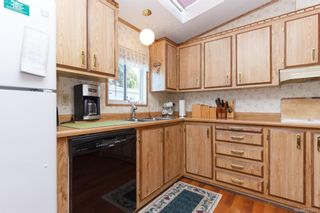Photo 12: 5 1536 Middle Rd in View Royal: VR Glentana Manufactured Home for sale : MLS®# 775203