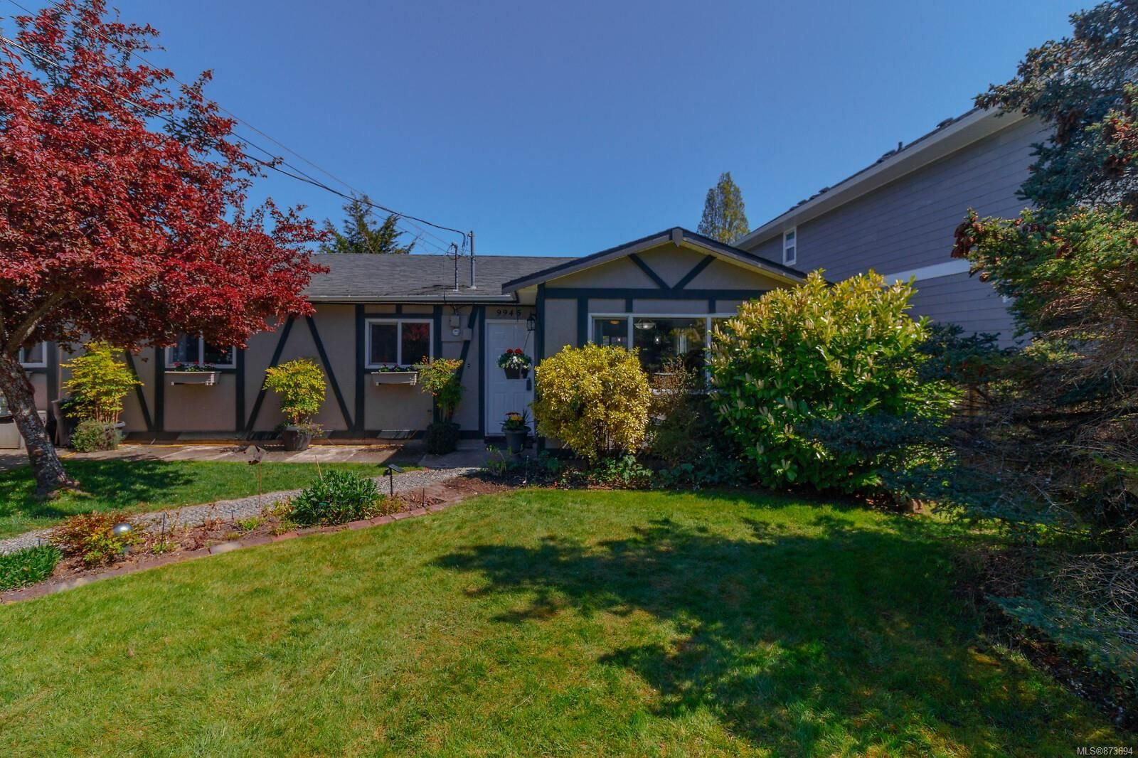 Main Photo: 9945 Bessredge Pl in : Si Sidney North-West House for sale (Sidney)  : MLS®# 873694