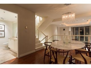 """Photo 6: T09 1501 HOWE Street in Vancouver: Yaletown Townhouse for sale in """"888 BEACH"""" (Vancouver West)  : MLS®# R2020483"""