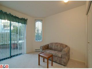 Photo 8: 107 1785 MARTIN Drive in Surrey: Sunnyside Park Surrey Condo for sale (South Surrey White Rock)  : MLS®# F1100144