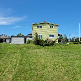 Photo 3: 1814 Hammonds Plains Road in Hammonds Plains: 21-Kingswood, Haliburton Hills, Hammonds Pl. Residential for sale (Halifax-Dartmouth)  : MLS®# 202117883