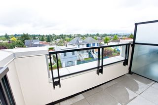 """Photo 3: 426 4550 FRASER Street in Vancouver: Fraser VE Condo for sale in """"Century"""" (Vancouver East)  : MLS®# R2429974"""