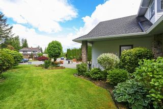 """Photo 3: 4928 196B Street in Langley: Langley City House for sale in """"High Knoll"""" : MLS®# R2610157"""