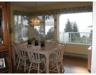 "Photo 2: 5154 RADCLIFFE Road in Sechelt: Sechelt District House for sale in ""SELMA PARK"" (Sunshine Coast)  : MLS®# V787058"