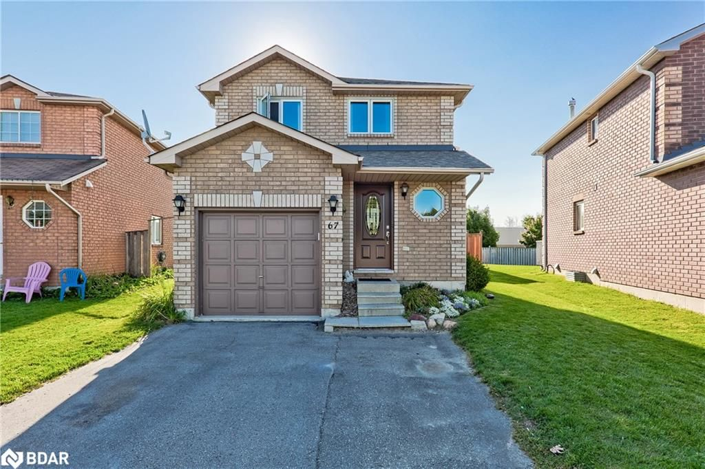 Main Photo: 67 SRIGLEY Street in Barrie: House for sale