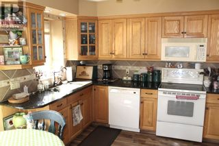 Photo 2: 2210 9 Avenue S in Lethbridge: House for sale : MLS®# A1143838