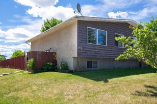 Photo 2: 2 Beaver Dam Place NE in Calgary: Thorncliffe Semi Detached for sale : MLS®# A1124643