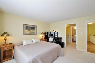 """Photo 16: 104 15111 RUSSELL Avenue: White Rock Condo for sale in """"Pacific Terrace"""" (South Surrey White Rock)  : MLS®# R2594062"""