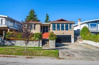 Main Photo: 2455 ANCASTER Crescent in Vancouver: Fraserview VE House for sale (Vancouver East)  : MLS®# R2625041