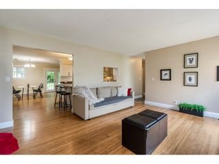 """Photo 5: 1427 160A Street in Surrey: King George Corridor House for sale in """"Ocean Village"""" (South Surrey White Rock)  : MLS®# R2453736"""
