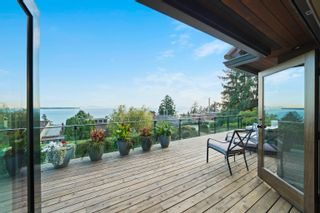 """Photo 8: 14170 WHEATLEY Avenue: White Rock House for sale in """"West Side"""" (South Surrey White Rock)  : MLS®# R2620331"""