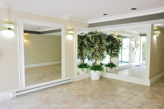 """Photo 2: 204 1009 HOWAY Street in New Westminster: Uptown NW Condo for sale in """"HUNTINGTON WEST"""" : MLS®# R2113265"""