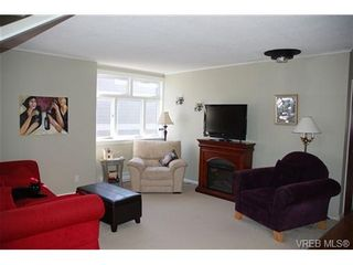 Photo 4: 1153 Lyall St in VICTORIA: Es Saxe Point House for sale (Esquimalt)  : MLS®# 662849
