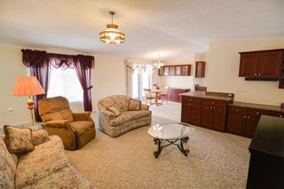 Photo 2: 33 COUNTRY CLUB Drive in Sanford: R08 Condominium for sale : MLS®# 202110396