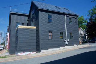 Photo 9: 182 Montague Street in Lunenburg: 405-Lunenburg County Commercial  (South Shore)  : MLS®# 202100386