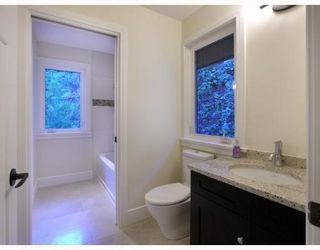 Photo 9: 321 SASAMAT Lane in North Vancouver: Woodlands-Sunshine-Cascade Home for sale ()  : MLS®# V759715