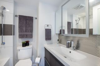 """Photo 13: 702 1219 HARWOOD Street in Vancouver: West End VW Condo for sale in """"CHELSEA"""" (Vancouver West)  : MLS®# R2313439"""