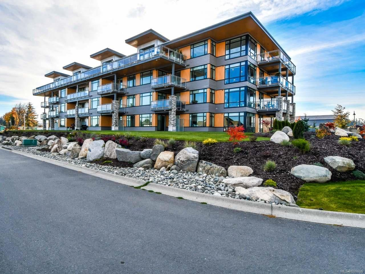Main Photo: 301 2777 North Beach Dr in CAMPBELL RIVER: CR Campbell River North Condo for sale (Campbell River)  : MLS®# 800006