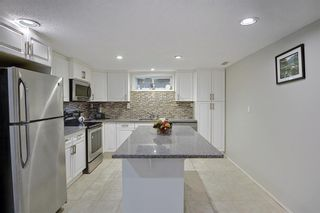 Photo 17: 6 Varslea Place NW in Calgary: Varsity Detached for sale : MLS®# A1149827