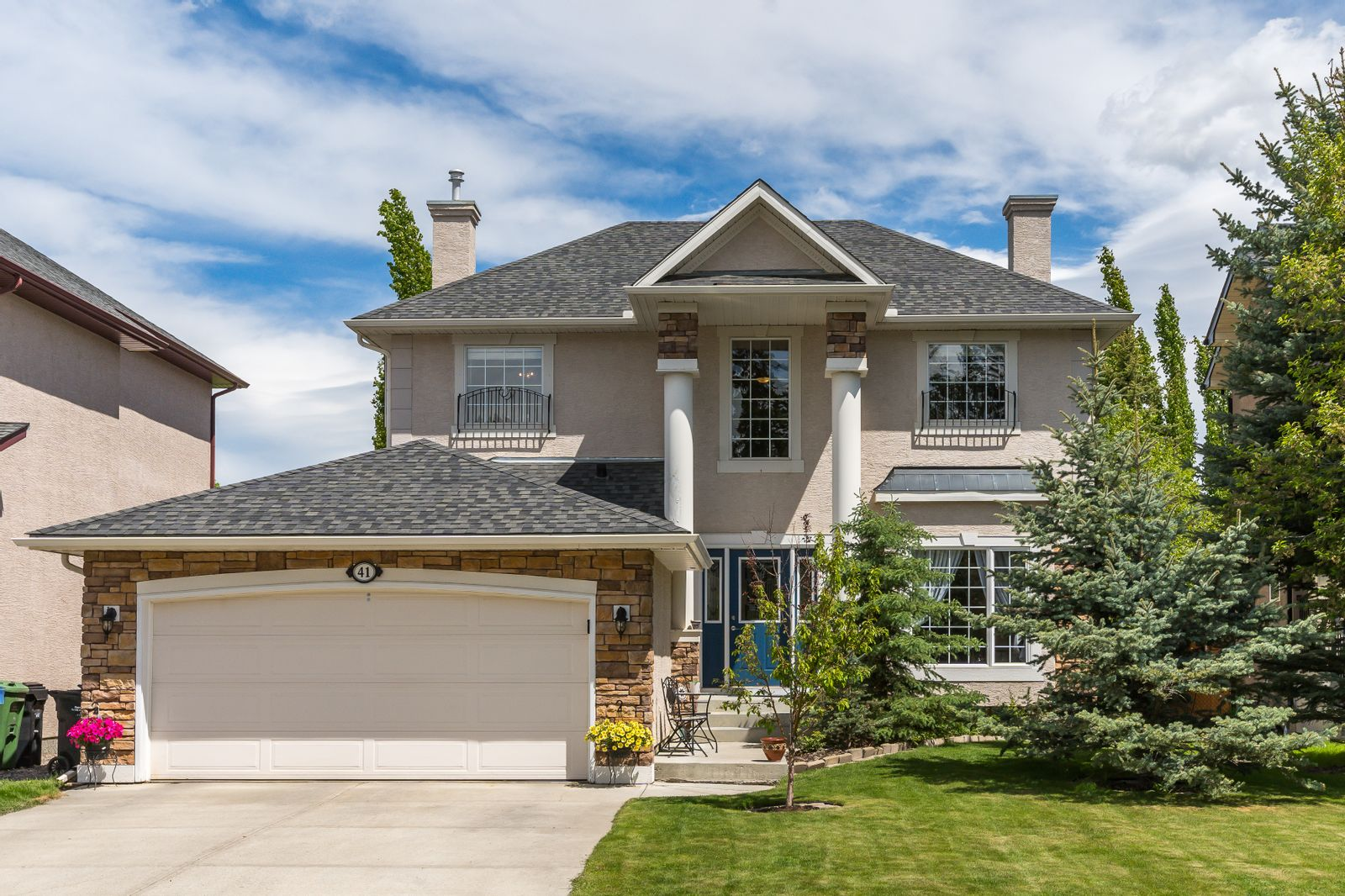 Such opportunities are uncommon in Calgary's Discovery Ridge: check out this upcoming property!
