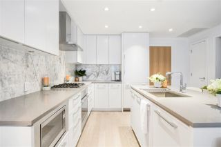 """Photo 10: 201 3220 CONNAUGHT Crescent in North Vancouver: Edgemont Condo for sale in """"THE CONNAUGHT"""" : MLS®# R2407338"""