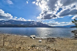 Photo 10: 5846 Sunnybrae-Canoe Point Road, in Tappen: House for sale : MLS®# 10240711