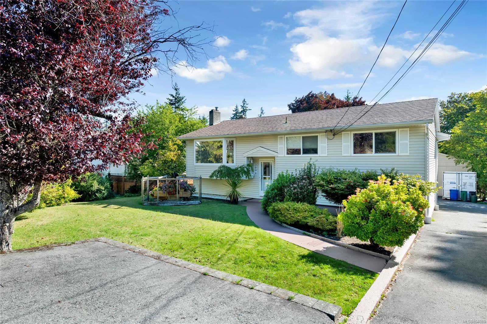 Main Photo: 3096 Rock City Rd in : Na Departure Bay House for sale (Nanaimo)  : MLS®# 854083