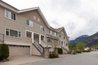 """Photo 1: 8 1200 EDGEWATER Drive in Squamish: Northyards Townhouse for sale in """"EDGEWATER"""" : MLS®# R2585236"""
