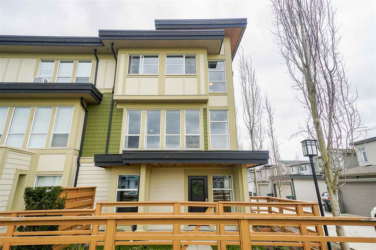 """Main Photo: 71 19477 72A Avenue in Surrey: Clayton Townhouse for sale in """"Sun at 72"""" (Cloverdale)  : MLS®# R2558879"""