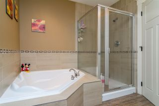 Photo 11: 19036 70 AVENUE in Surrey: Clayton House for sale (Cloverdale)  : MLS®# R2128470