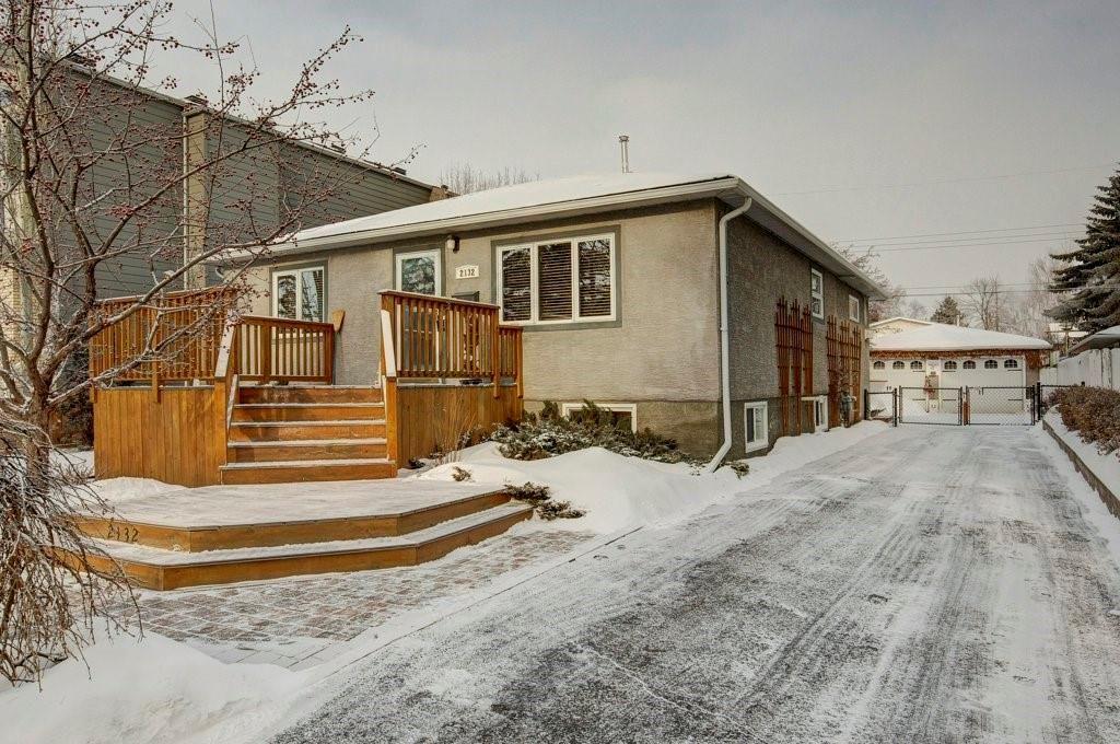 Main Photo: 2132 53 AV SW in Calgary: North Glenmore Park House for sale : MLS®# C4281707