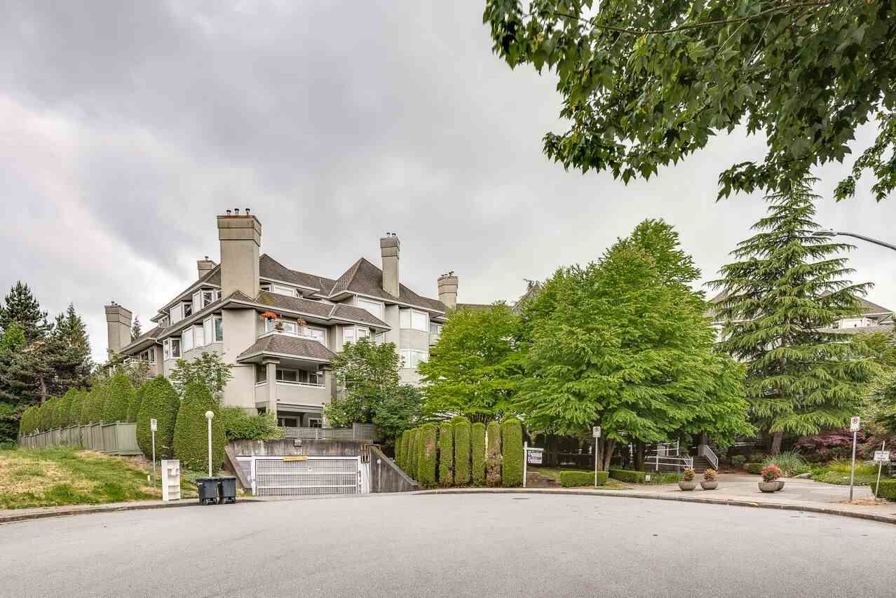 """Photo 1: Photos: 211 3738 NORFOLK Street in Burnaby: Central BN Condo for sale in """"Winchelsea"""" (Burnaby North)  : MLS®# R2276086"""