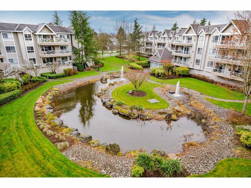 """Photo 31: Photos: 312 5568 201A Street in Langley: Langley City Condo for sale in """"Michaud Gardens"""" : MLS®# R2563265"""