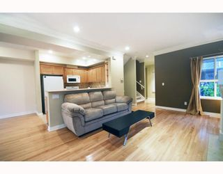 "Photo 4: 27 2688 MOUNTAIN Highway in North Vancouver: Westlynn Townhouse for sale in ""Craftsman Estates"" : MLS®# V799133"