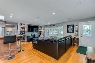 Photo 4: 14124 CRESCENT Road in Surrey: Elgin Chantrell House for sale (South Surrey White Rock)  : MLS®# R2552873