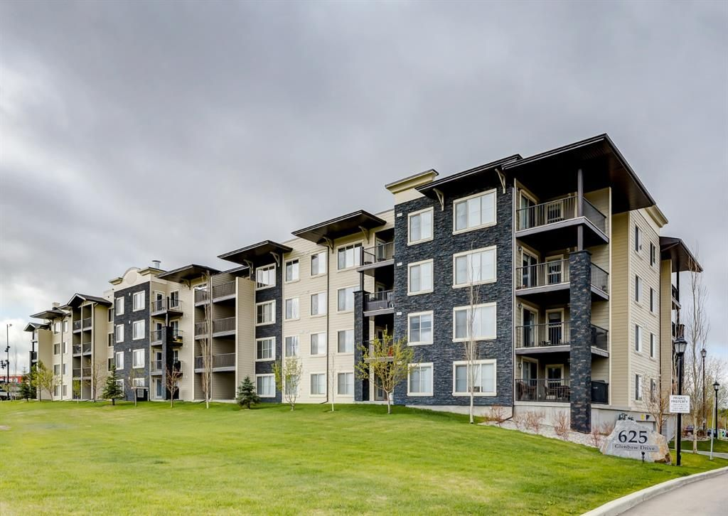 Main Photo: 1407 625 Glenbow Drive: Cochrane Apartment for sale : MLS®# A1110901