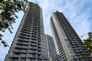 """Photo 1: 3203 9981 WHALLEY Boulevard in Surrey: Whalley Condo for sale in """"PARK PLACE II"""" (North Surrey)  : MLS®# R2327645"""
