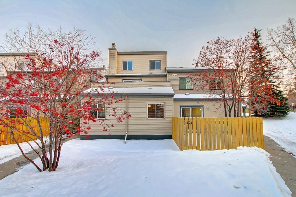 Main Photo: 404 1540 29 Street NW in Calgary: St Andrews Heights Apartment for sale : MLS®# C4281452