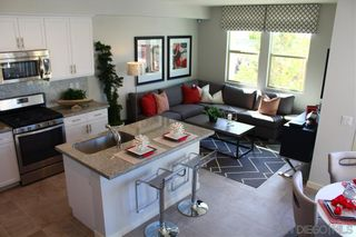 Photo 2: CHULA VISTA Townhouse for sale : 3 bedrooms : 2076 Tango Loop #4