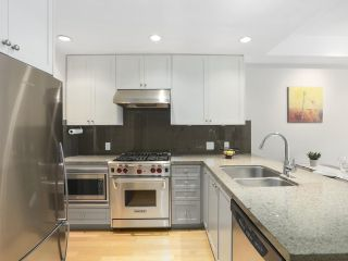 Photo 2: 307 1477 W 15TH AVENUE in Vancouver: Fairview VW Condo for sale (Vancouver West)  : MLS®# R2419107