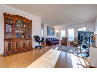Photo 6: 5844 DALCASTLE Crescent NW in Calgary: Dalhousie House for sale : MLS®# C4053124