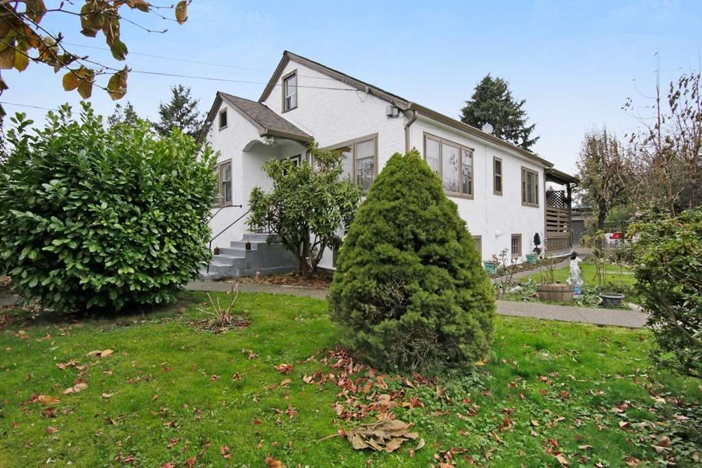 Main Photo: 46199 SECOND Avenue in Chilliwack: Chilliwack E Young-Yale House for sale : MLS®# R2219928