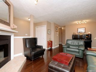 Photo 4: 1279 Lidgate Crt in VICTORIA: SW Strawberry Vale House for sale (Saanich West)  : MLS®# 811754