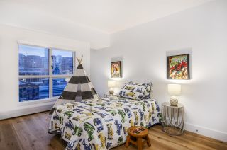 """Photo 12: 903 238 ALVIN NAROD Mews in Vancouver: Yaletown Condo for sale in """"Pacific Plaza"""" (Vancouver West)  : MLS®# R2345160"""