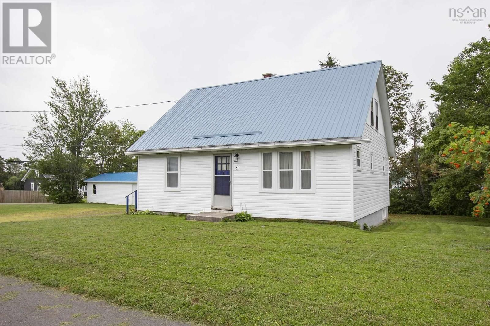 Main Photo: 81 Church Street in Springhill: House for sale : MLS®# 202121720