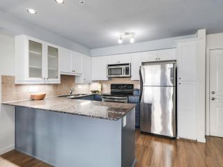 """Photo 10: 304 1969 WESTMINSTER Avenue in Port Coquitlam: Glenwood PQ Condo for sale in """"THE SAPHHIRE"""" : MLS®# R2504819"""