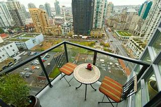 """Photo 4: 1199 SEYMOUR Street in Vancouver: Downtown VW Condo for sale in """"BRAVA"""" (Vancouver West)  : MLS®# V625814"""