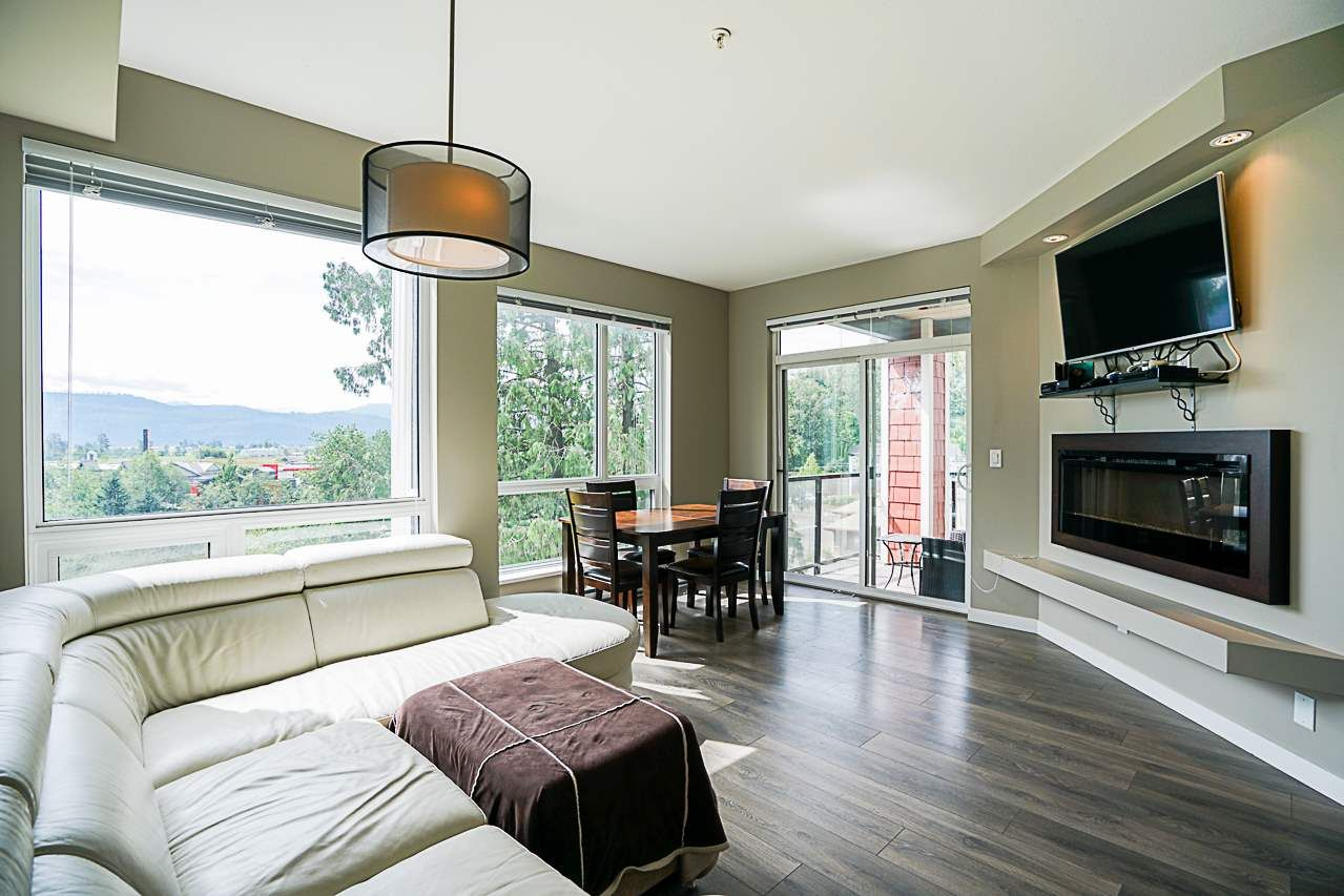 """Photo 7: Photos: 301 2238 WHATCOM Road in Abbotsford: Abbotsford East Condo for sale in """"Waterleaf"""" : MLS®# R2276818"""