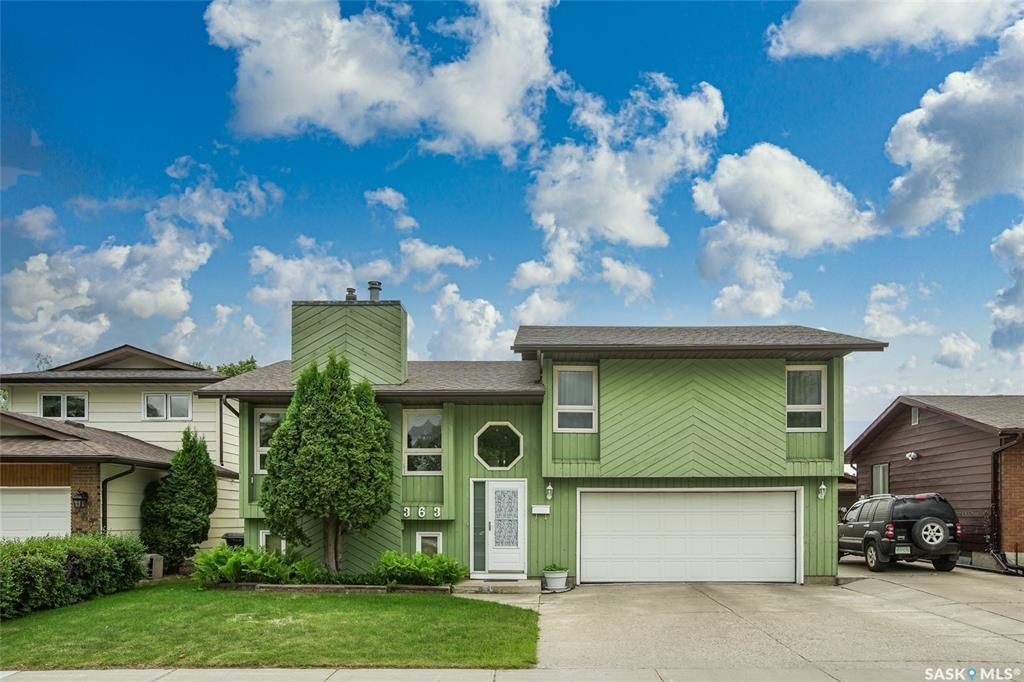 Main Photo: 363 Crean Crescent in Saskatoon: Lakeview SA Residential for sale : MLS®# SK861282